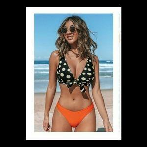 Cupshe Daisy bikini